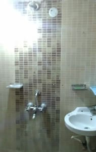 One bedroom in a 2-BHK apartment - Hyderabad - Apartment