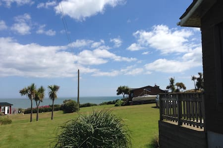 Sea view house with beach access - Gorey - House
