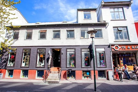 A cozy apartment located the center of Reykjavik on the street Laugavegur which is the main shopping street of downtown Reykjavík, a few minutes walk to any attraction in the city, We pride ourselves with the location of the flat.