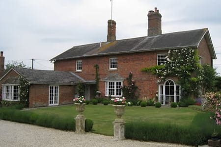 Wiltshire Georgian Farmhouse Double & Twin - Pousada