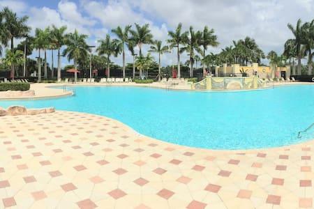 Paradise in Bella Terra! AMAZING Vacation Condo! - Társasház