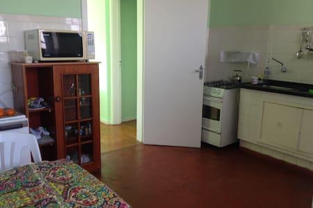 bedroom for quiet and organized person - Porto Alegre - Apartment