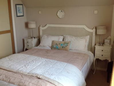 One of our two guest bedrooms - Bungalow