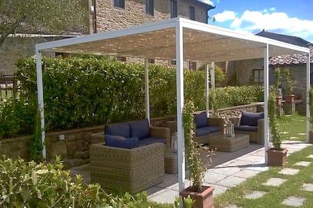 Charming Villa with pool Sleeps 20 - Montalto - Villa