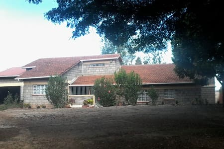 Furnished house  Four bedroom mansionate In Ngong - Bungalov