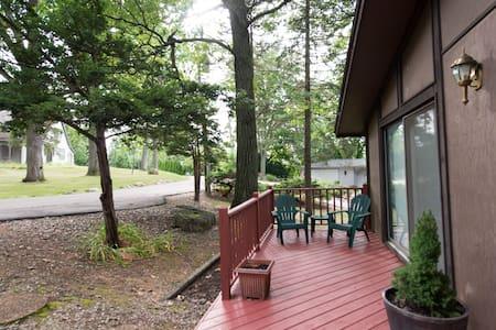 Lakehouse Lodge - Talo