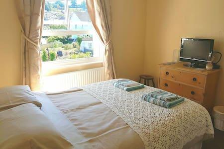 Double bedroom in Colyton - Casa
