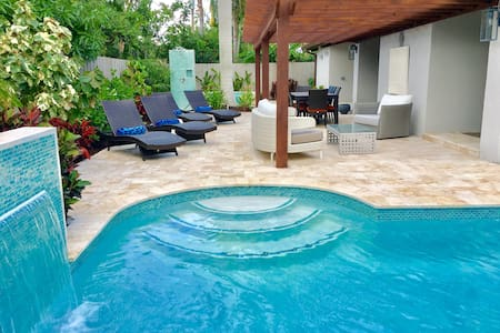 New! Dolphin Palms - Fort Lauderdale