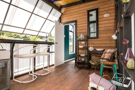 The Matchbox: tiny house experience - New Plymouth - Kabin