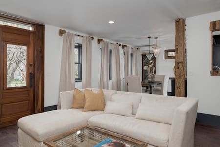 The GRAYSTONE XXXI /  'The Chelsea' - East Aurora - Apartment