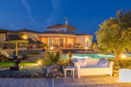"""Villa El Pajarero """"de bonte vogel"""" - Bed & Breakfast"""