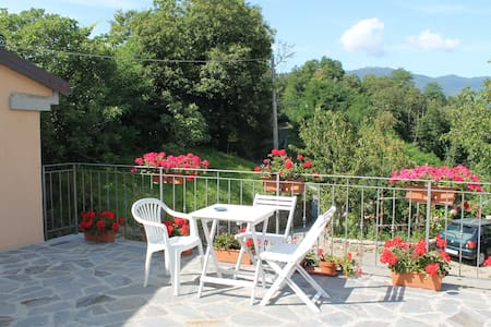 B&B IlPoggiodiTraverde Camera Verde - Pontremoli - Bed & Breakfast