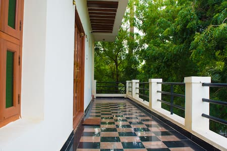 Mani Home Stay, Deluxe Room- Trichy - Haus