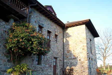 """Ca Xuacu """"El payar"""". Asturias. - Valdés - Vila"""