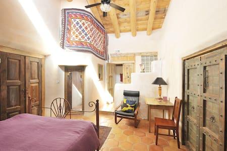 The Moroccan Room at Rancho Gallina - Santa Fe - Bed & Breakfast