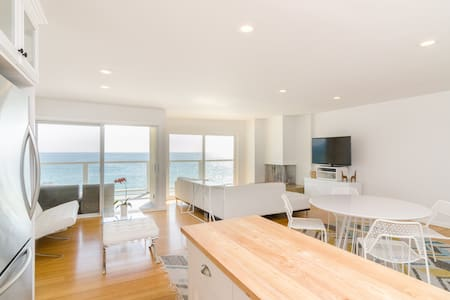 Stunning Malibu Beachfront! - Malibu - Apartment