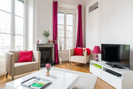 Bel appartement emplacement central - Daire