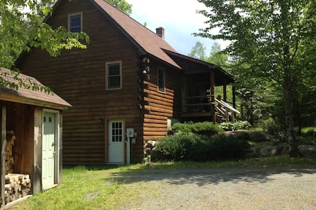 Cozy Log Home In Franconia NH