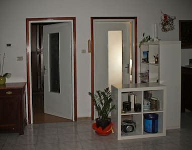Wide room for 1 or 2 people - flat in Cles - Cles - Apartment
