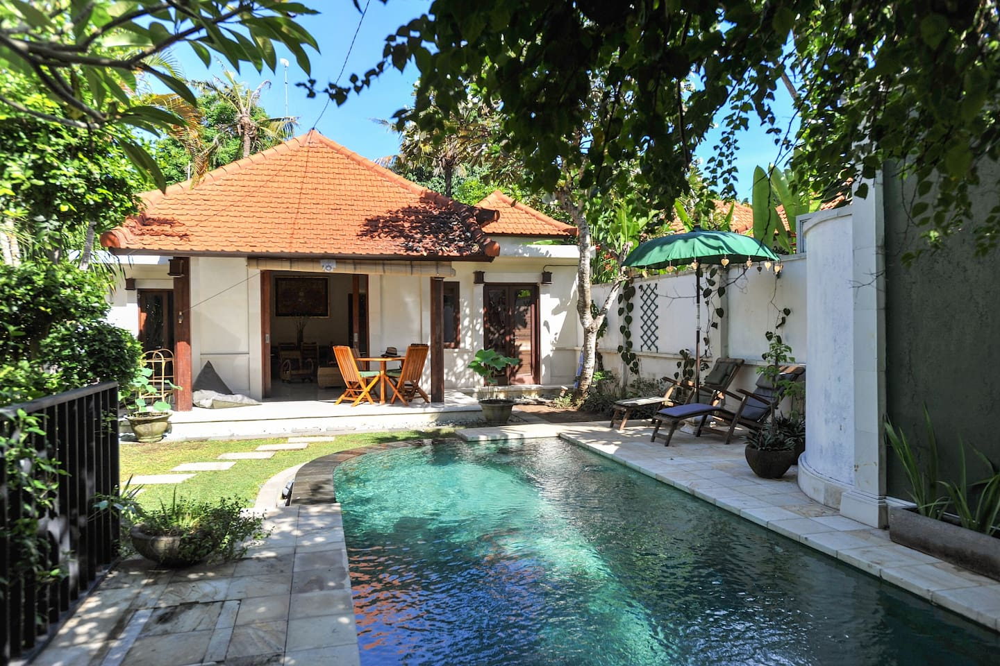2 BEDROOM GARDEN VILLA WITH POOL.