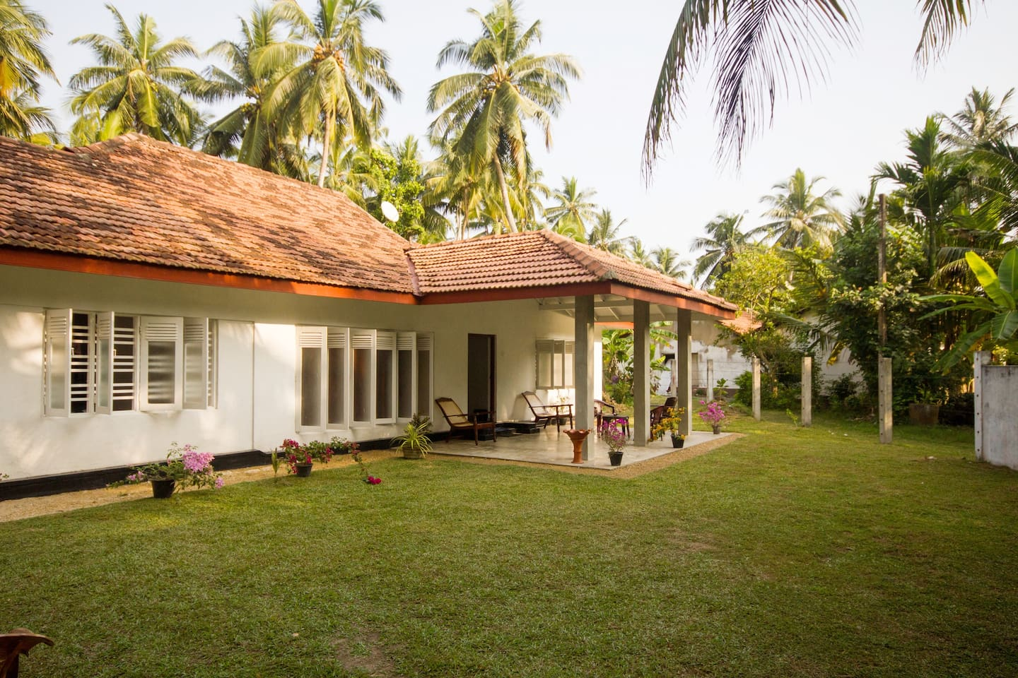 Beautiful 3 roomed Cozy Bungalow.....