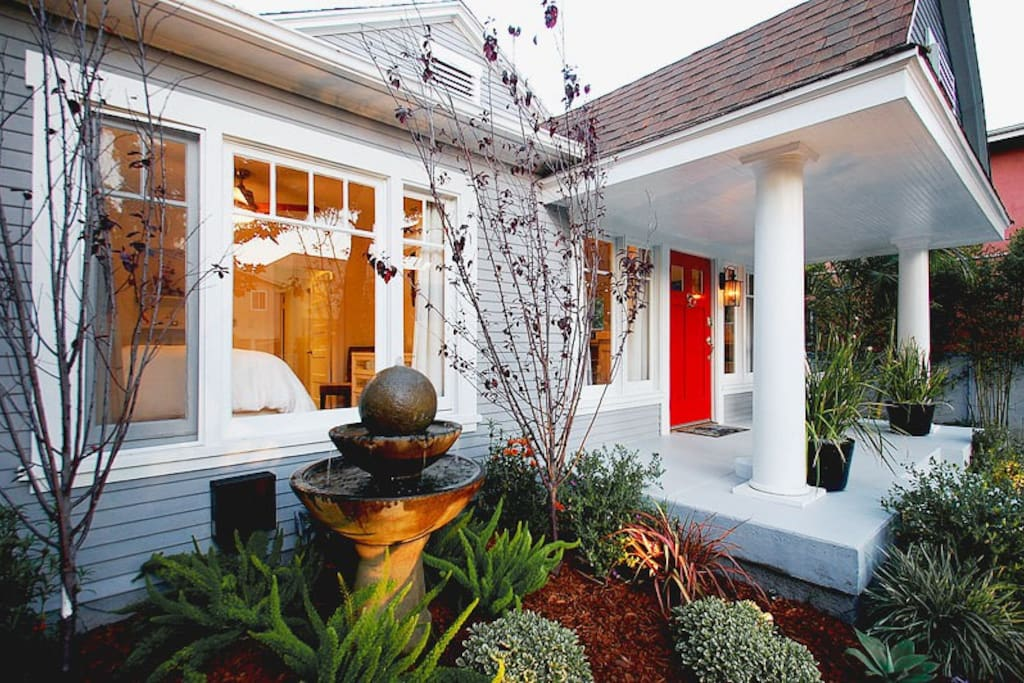 West Hollywood Cottage | Vacation Rental by Owner | Luxury Villa
