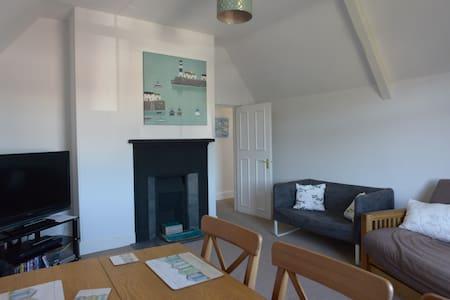 Flat 2 Gordon House - Apartment