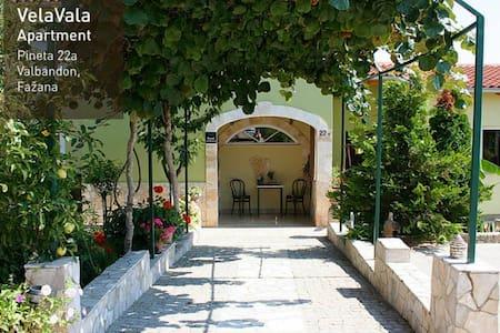A peaceful green oasis VelaVala - Fažana - Hus