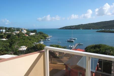 2 Quest villa with spectacular view - Vila