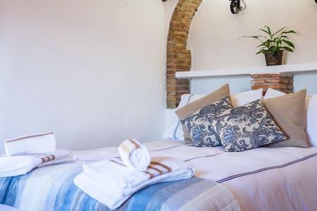 Serenety Holistic House Tranquility - Alfarnatejo