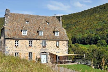 La Roussière - Suite de Jean - Saint Clément
