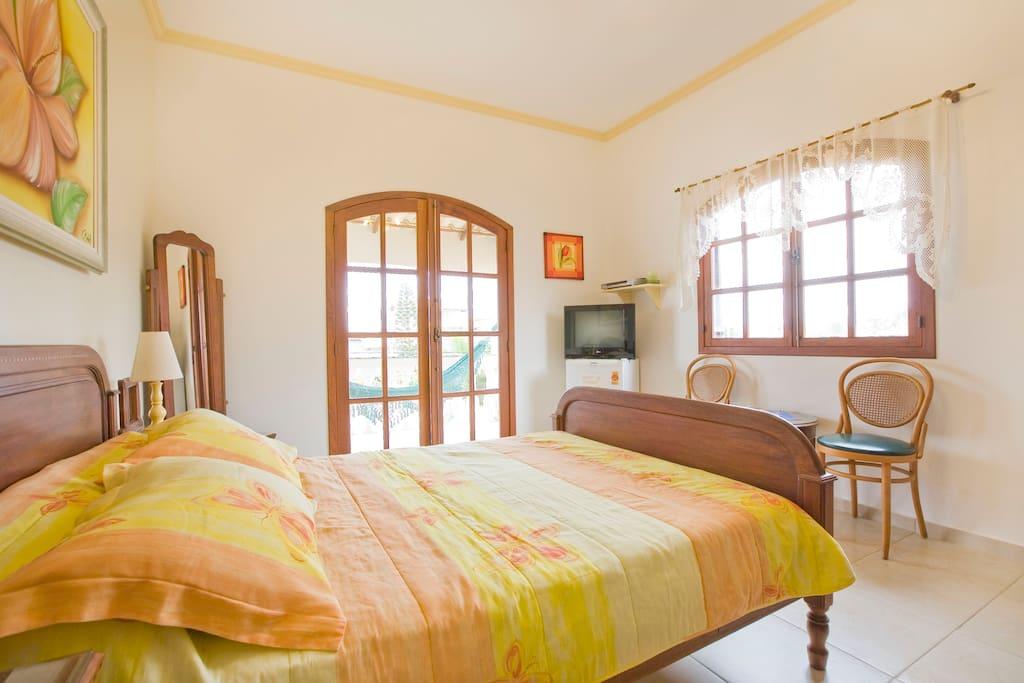 En-Suite Room Breakfast & Balcony!!