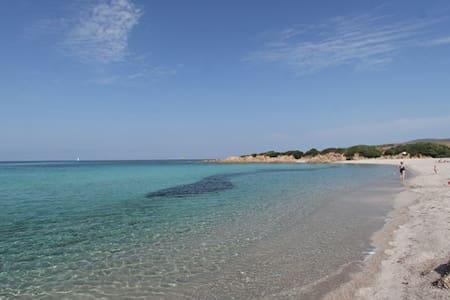 Villa bord de mer près d'Ajaccio - House