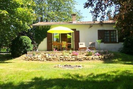 Ferienhaus-im-Limousin.de - Saint-Mathieu - Rumah