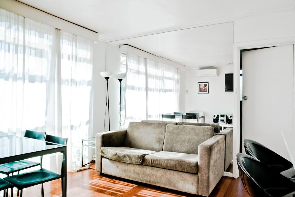 St Kilda 1 Bedroom Apartment