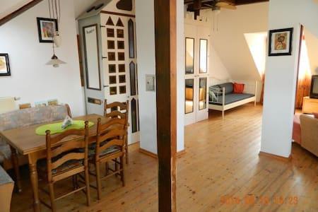 Dachgeschosswohnung Stadtmitte (DG) - Kevelaer - Lägenhet