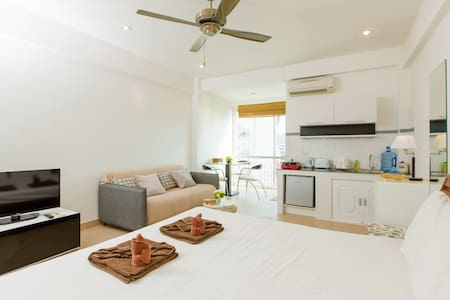 (A8237) Studio honey moon for 2 - Patong - Apartment