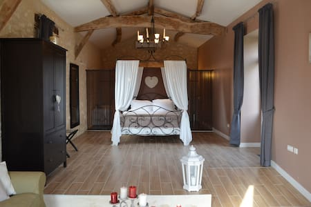 Luxury and charm BACCHUS Suite - Bed & Breakfast