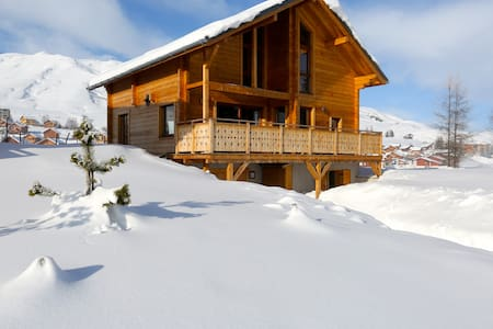 Grand chalet Design by an architect - House