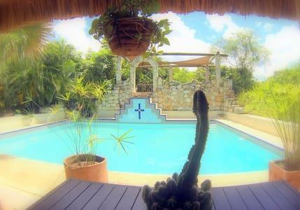 No 1 Hotel in Izamal - best reviews - Izamal