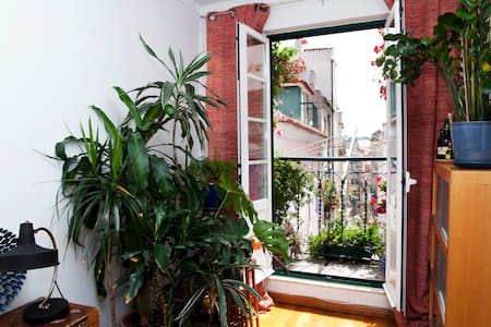 Apartment with Charm in Bairro Alto