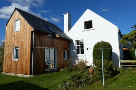 Charming Cottage, 500 ft from the beach - Le Conquet - House