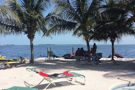 Florida Keys Cottage - Cabin