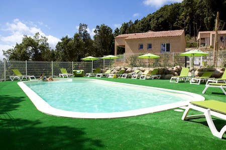 6 houses with swimming pool - Villa