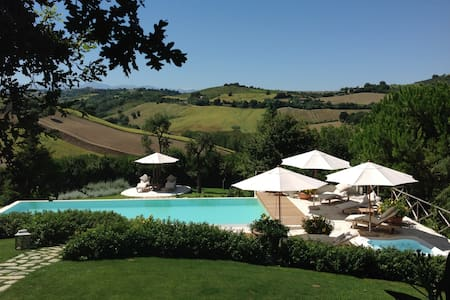 Luxury Country House on a Hilltop - Fermo - Villa