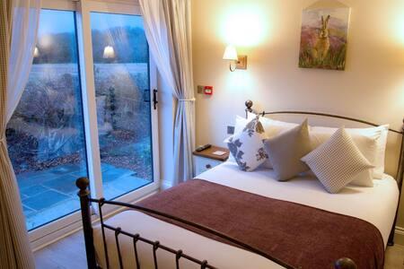 ROOM 3 - Family Room - Bed & Breakfast