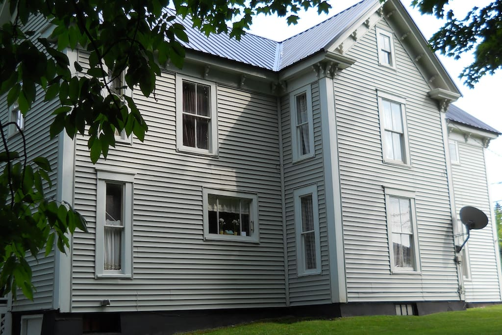 Maine Riverfront Bed and Breakfast