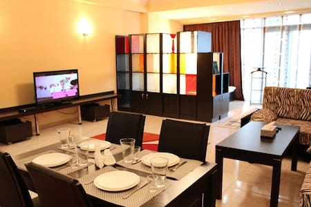 Room type: Entire home/apt Bed type: Real Bed Property type: Apartment Accommodates: 3 Bedrooms: 0 Bathrooms: 1.5