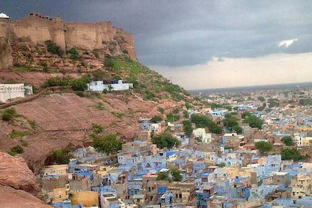FORT VIEW ROOM IN OLD CITY  JODHPUR - Bed & Breakfast