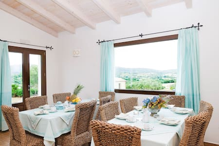 Surrounded by greenery this beautiful, new B&B will give you a unique experience: peace and relaxation a few miles from the Costa Smeralda with its magnificent and uniques beaches . The B&B is composed of 6 independent rooms with private bathroom.